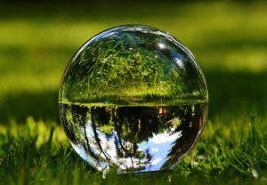 Стеклянный шарик